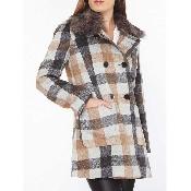 Palton cu nasturi si guler blana