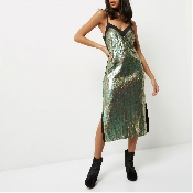 Rochie lucioasa cu paiete verzi