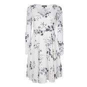 rochie alba florala cu maneci lungi